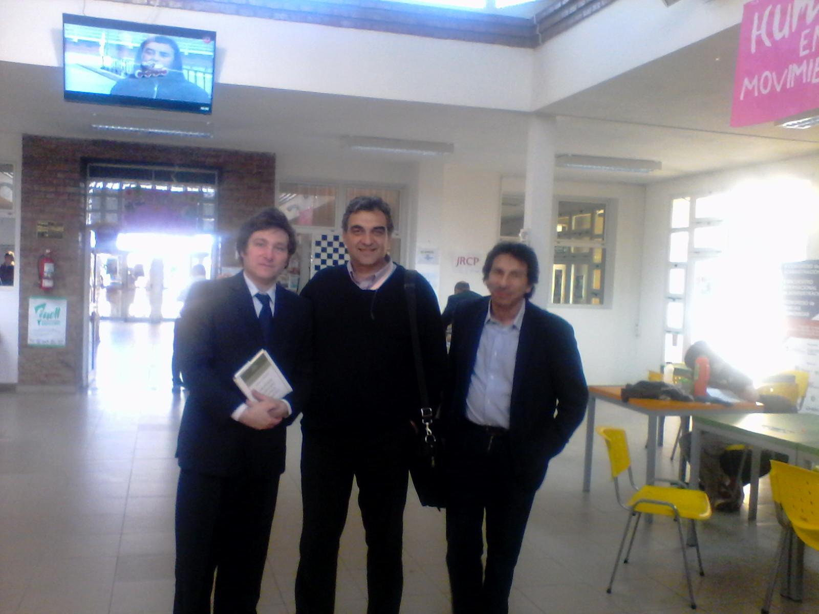 Junto con el economista liberal Javier Milei